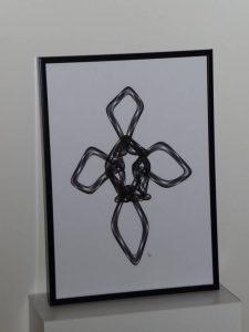 Sculpture métallique en forme de boucle - I - FLK - 2017
